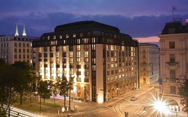 Hilton, Vienna Plaza